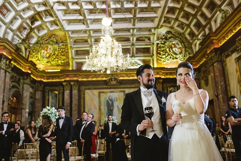Pareja en boda casino español con Frac